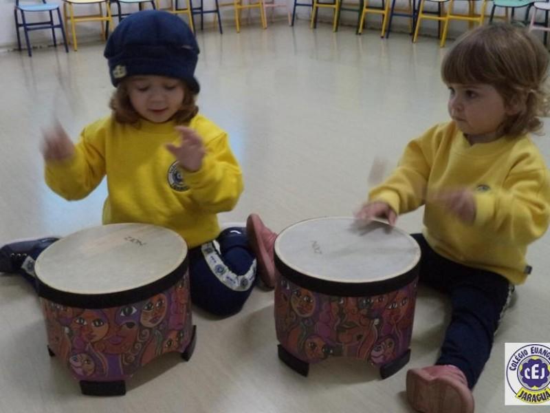 Música no Infantil II A e B