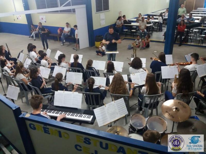 Ensaio aberto da Orquestra Jovem CEJ