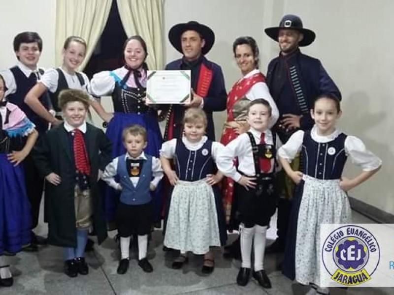 Homenagem ao Grupo Folclórico Sünnros
