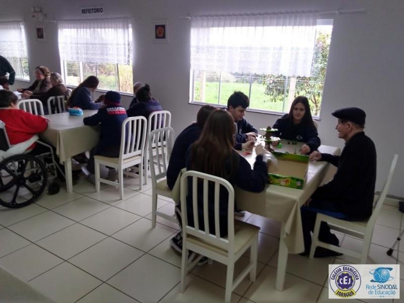 Visita ao Lar Recanto do Sossego